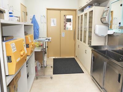 西村獣医科病院の手術準備室